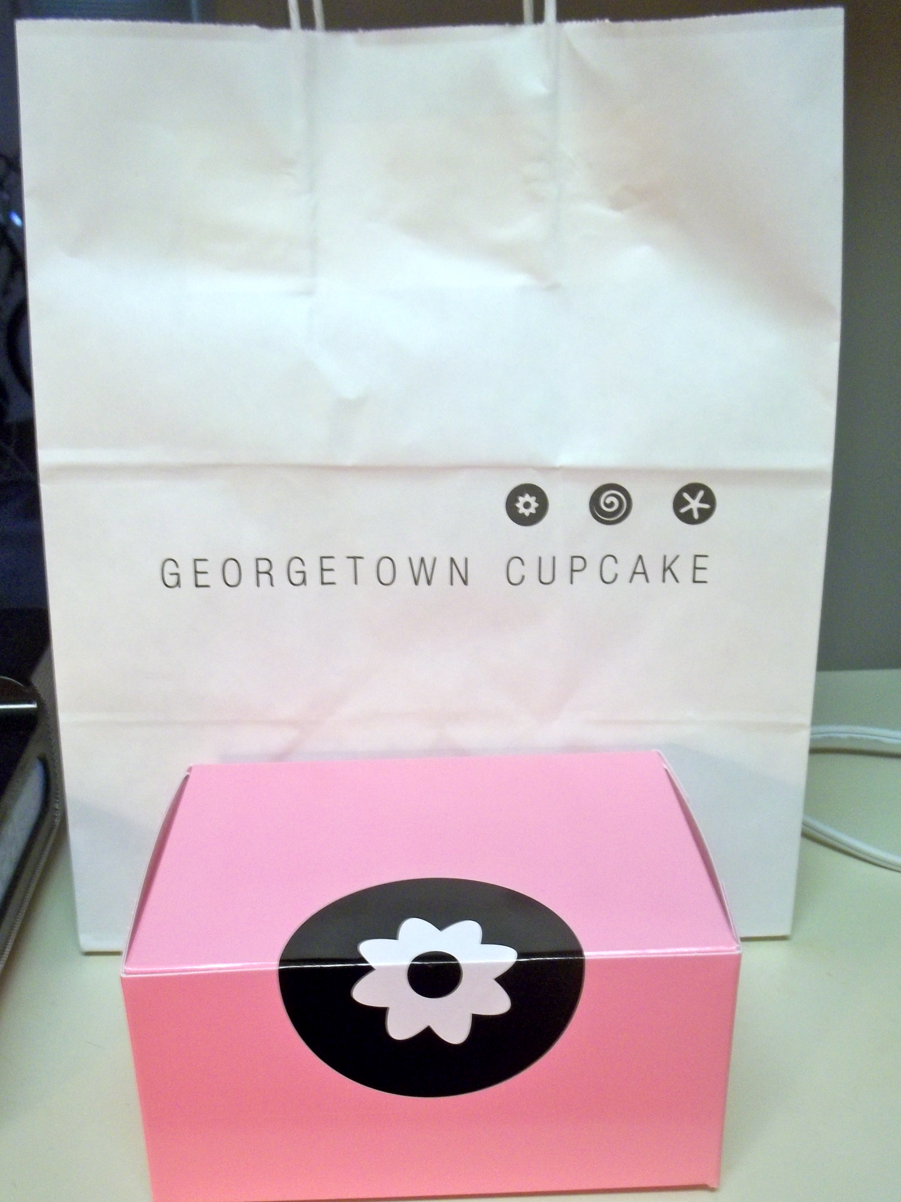 Cupcake Week: Georgetown Cupcakes | Boston Without the Accent